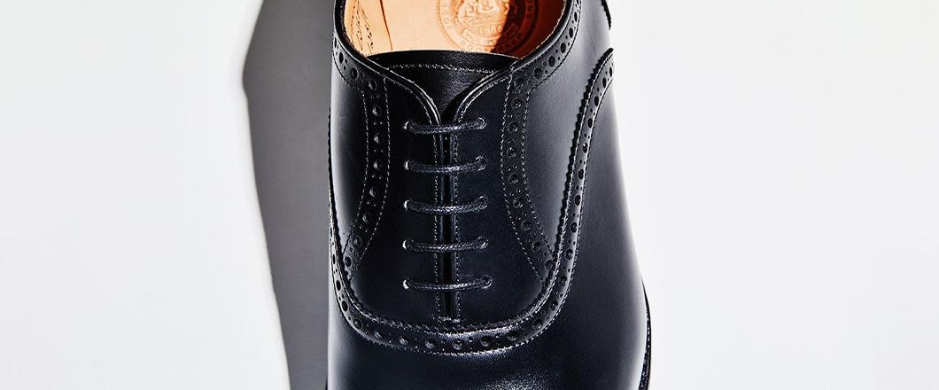 靴作りの美学が表れる羽根周り