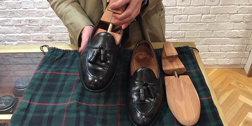 革靴の手軽なデイリーケアをスタッフがHARRY(ハリー)で実践!